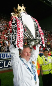 Sir Alex Ferguson hoist the Premier League Trophy in 2008.